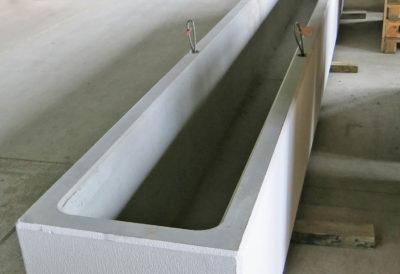 Visione interna e ancoraggi di spostamento alla parete